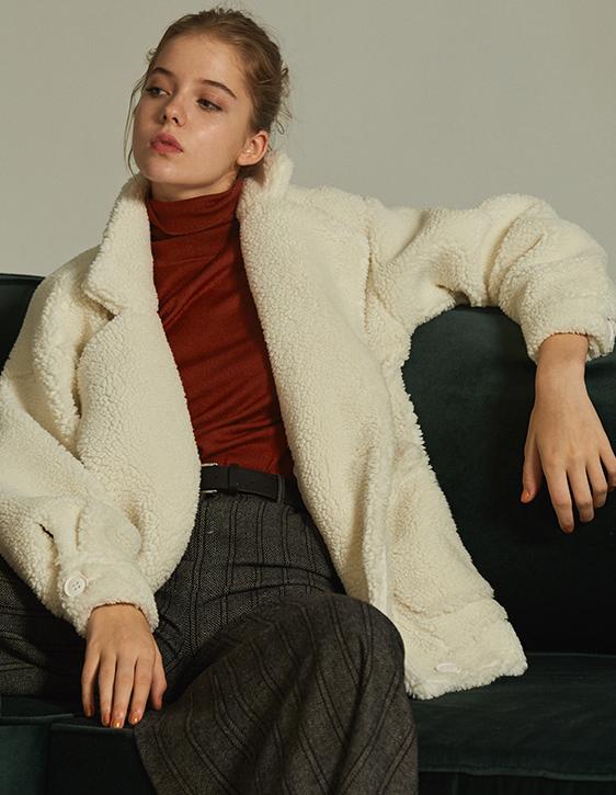 人造羊毛翻領落肩外套