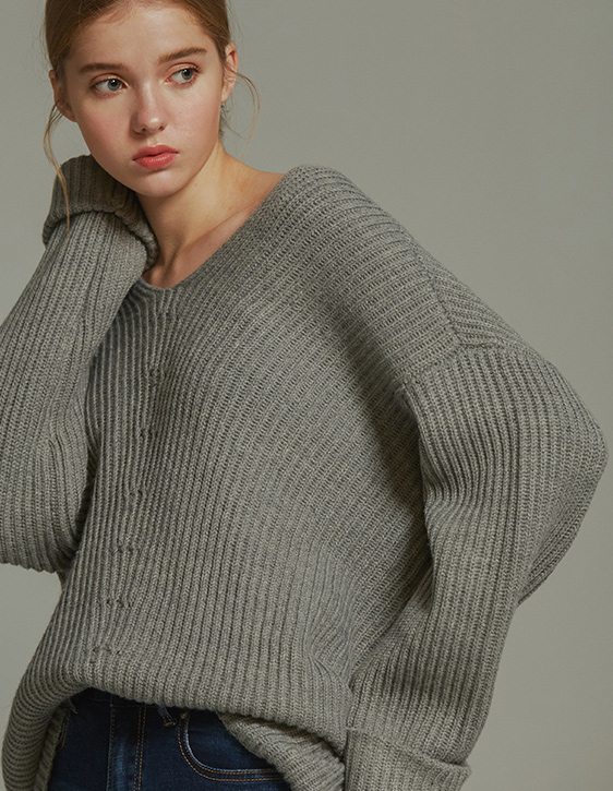 V領寬鬆羊毛針織衫