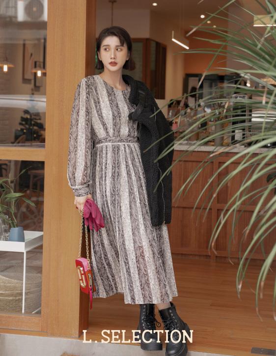 選品系列:花紋百褶洋裝